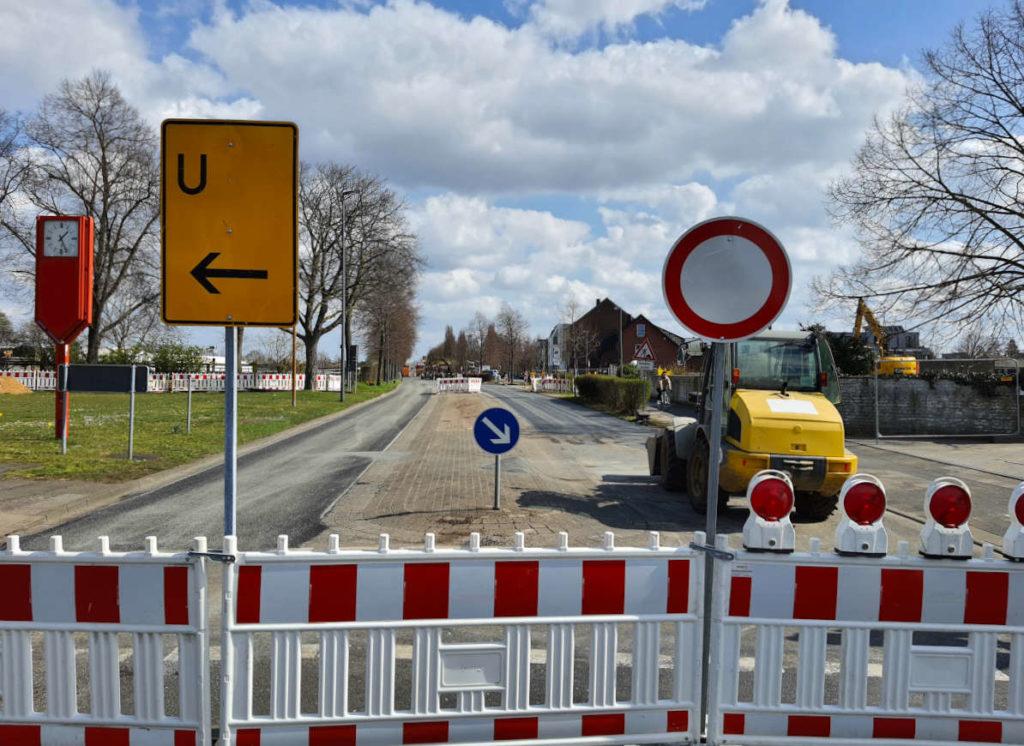 Straßensperrung, Bauarbeiten, Grundstücksentwicklung