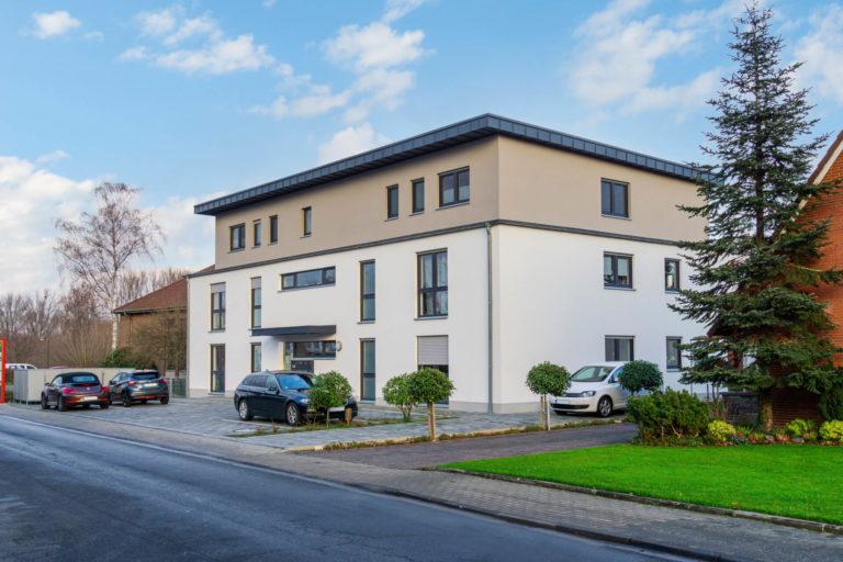 modernes Mehrfamilienhaus mit 7 Wohnungen als Investition für Kapitalanleger