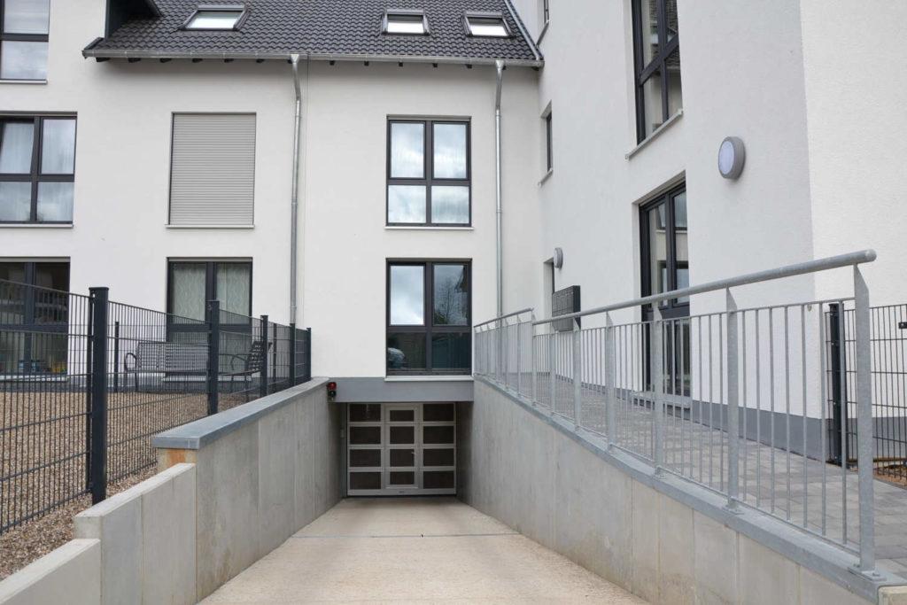 Immobilie Pulheim Sinnersdorf, Tiefgarageneinfahrt